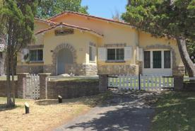 Chalet en Villa Gesell zona Centro Comercial