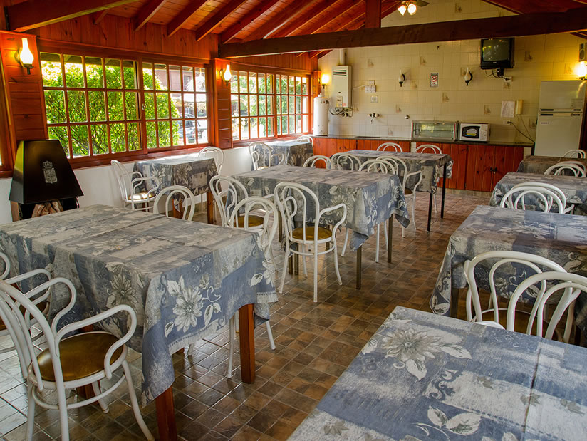Kaiken II: Hostería en Villa Gesell.