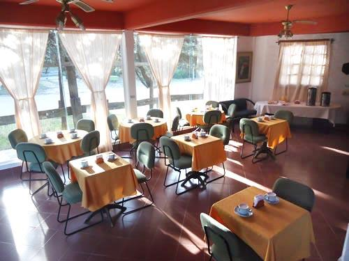 Michel: Hostería en Villa Gesell.