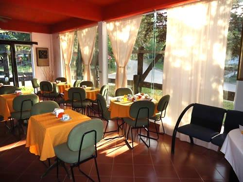 Alquilo Hostería Michel en Villa Gesell.