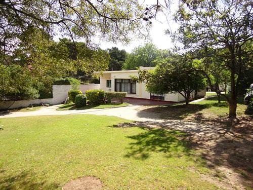 Alquilo Alojamiento para Jovenes Aiello en Villa Gesell.