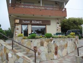 Albert: Hotel en Villa Gesell.