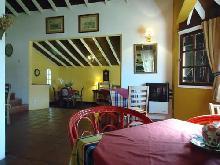 Camelot: Hostería en Villa Gesell.