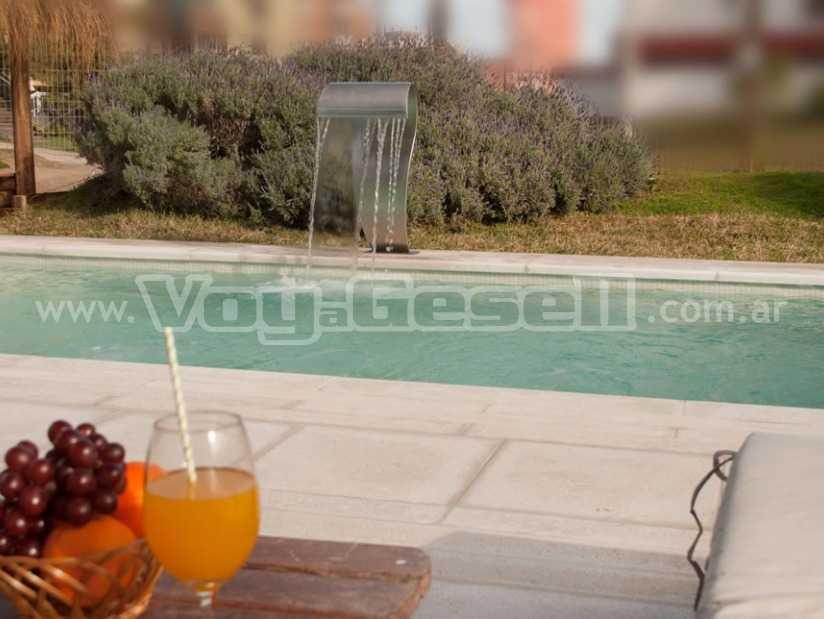 Complejo Dulce Naranja: Complejo de Cabañas en Villa Gesell.