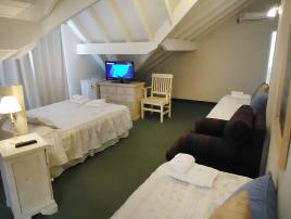 Esturion Village: Hotel en Villa Gesell.