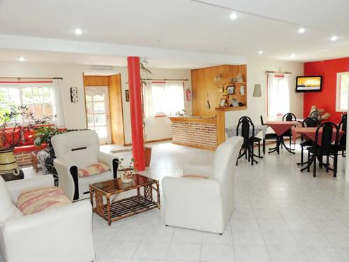 Fusine: Hostería en Villa Gesell.