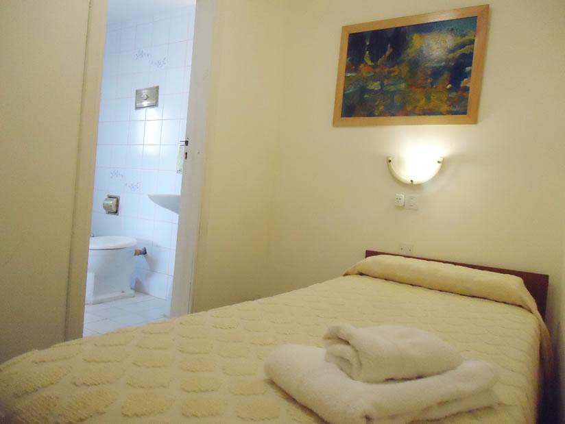 Massa: Hotel en Villa Gesell.