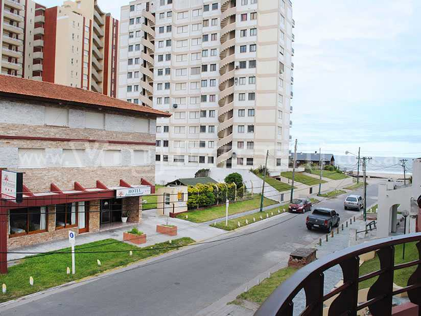 International: Hotel en Villa Gesell.