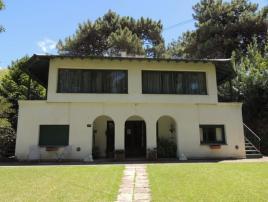 Alojamiento para Jovenes Iris en Villa Gesell zona Centro