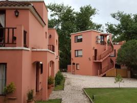 La Aguada: Complejo de Cabañas en Villa Gesell.