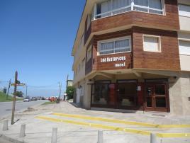 Hotel Los Historicos en Villa Gesell zona Centro Comercial