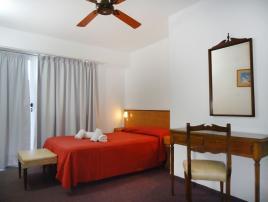 Alquilo Hotel Los Historicos en Villa Gesell.