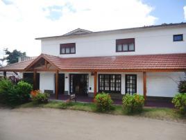 Los Medanos: Hospedaje en Villa Gesell.