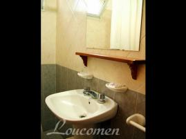 Loucomen: Hostería en Villa Gesell.