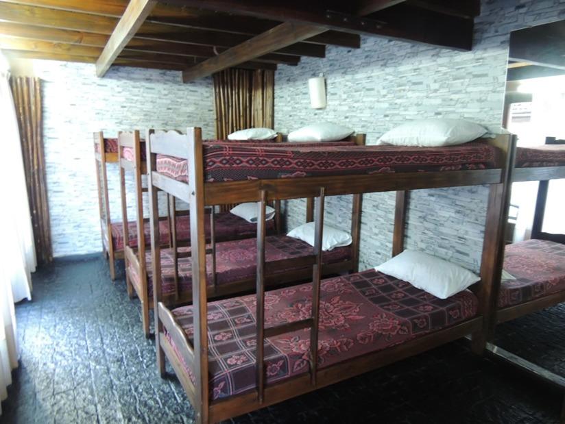 Posada Medieval Avalon: Alojamiento para Jovenes en Villa Gesell.