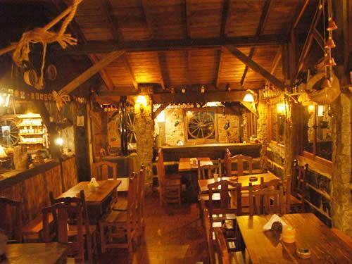 El Viejo Hobbit: Pub-Bar - Restaurant - Rincones Típicos & Gourmet en Villa Gesell.