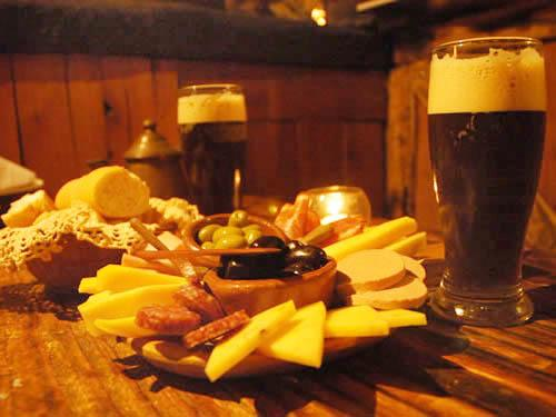 El Viejo Hobbit: pub-bar en Villa Gesell.