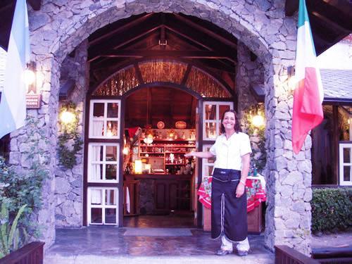 La Casa de Antonia: restaurant en Villa Gesell.