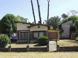 Casa Atilio: Casa en Villa Gesell