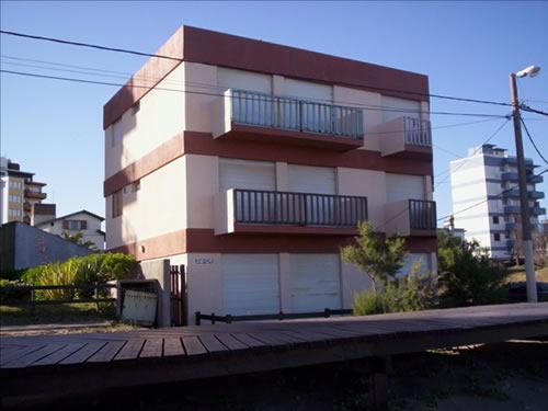 Departamento Departamentos Andrea en Villa Gesell zona Centro Comercial