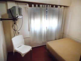 Quick: Departamento en Villa Gesell zona Centro Comercial.