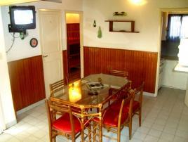 Alquilo Casa Alquileres_Famili 2 en Villa Gesell zona Centro Comercial.