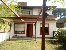Anton 121: Casa en Villa Gesell