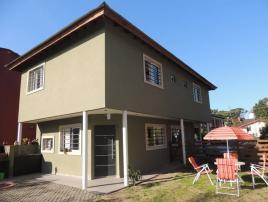 Arami: Casa en Villa Gesell