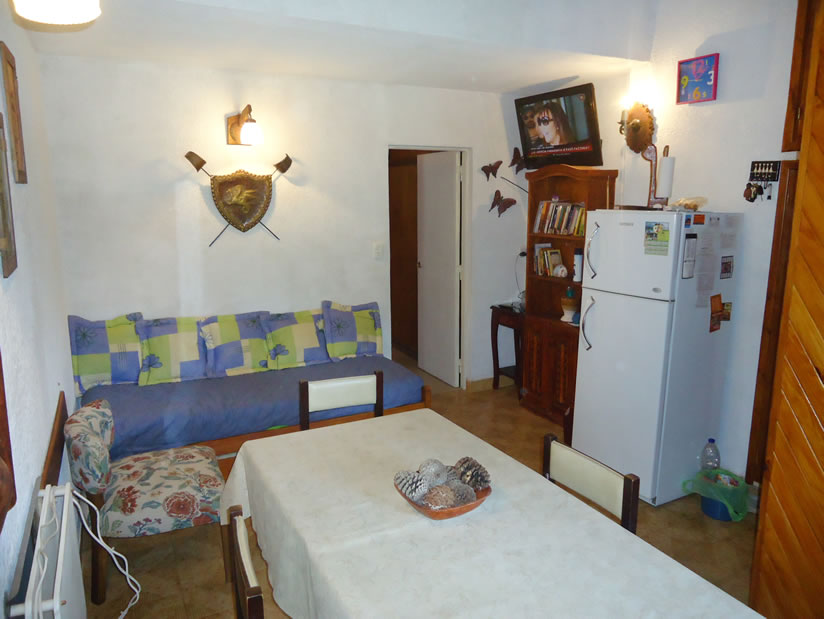 Aranjuez 11: Departamento en Villa Gesell zona Centro Comercial.
