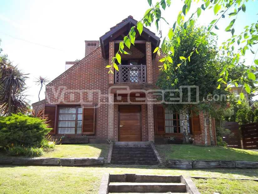 Casa Arisol en Villa Gesell zona Centro