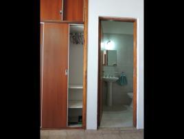 Alquilo Departamento Arlequin 3 y 109 1amb en Villa Gesell zona Centro Comercial.
