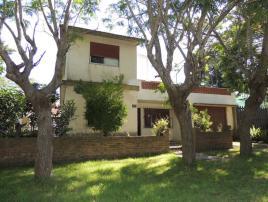 Caminito 2: Departamento en Villa Gesell zona Centro.