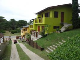 Alquilo Duplex La Pineta 5-6-7 en Villa Gesell zona Centro Comercial.