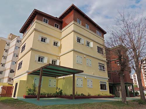 Alquilo Departamento Cuatro Soles 1A en Villa Gesell zona Centro Comercial.