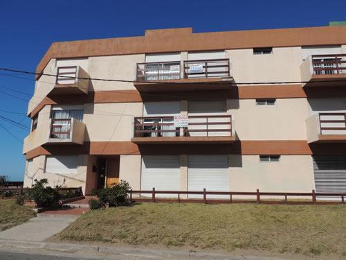 Alquilo Departamento Depto Charly en Villa Gesell zona Centro Comercial.