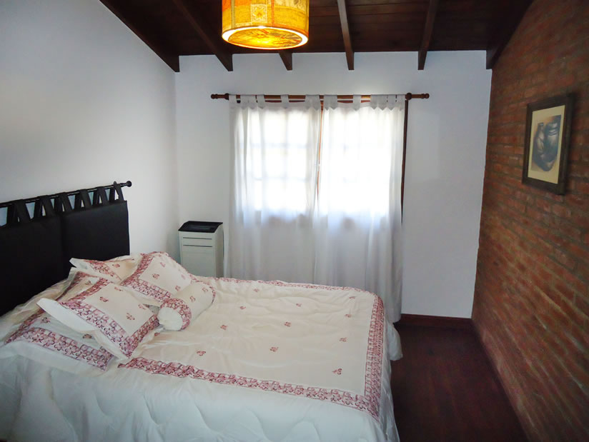 Duplex Miriam: Duplex en Villa Gesell zona Centro.