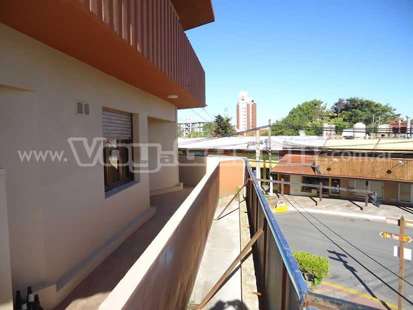Alquilo Departamento Edif. Confetto en Villa Gesell zona Centro.