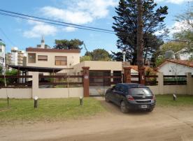 Haylasian: Departamento en Villa Gesell
