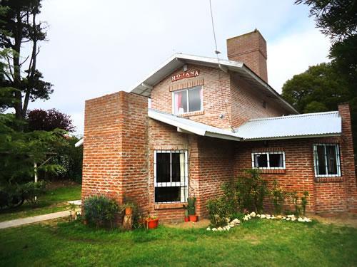 Alquilo Casa Hojana en Villa Gesell zona Centro.