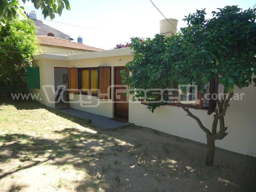 Alquilo Casa La Casa de Carlos en Villa Gesell zona Centro.