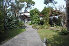 Alquilo Casa La Cueva de Ani en Villa Gesell zona Centro.
