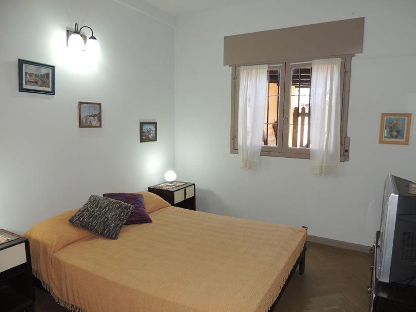 Alquilo Casa Laumar en Villa Gesell zona Centro.