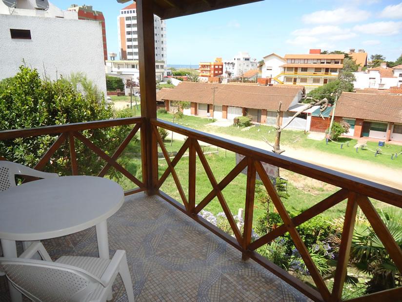 Alquilo Chalet Levida en Villa Gesell zona Centro.