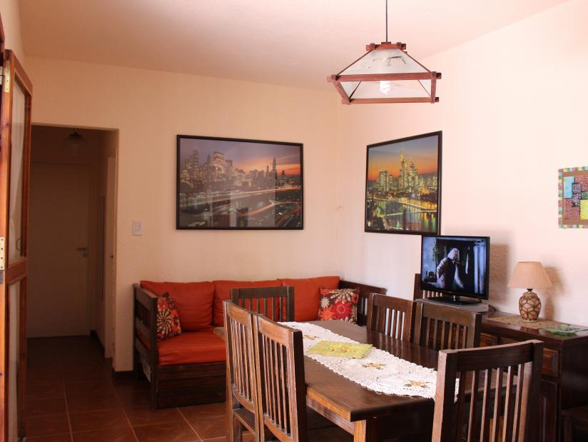 Lo de Lila: Departamento en Villa Gesell zona Centro.