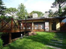 Más Información de Casa Pau Roca en Villa Gesell