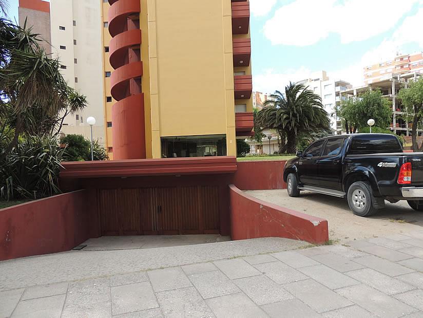 Alquilo Departamento Romeo IV 11 en Villa Gesell zona Barrio Norte.