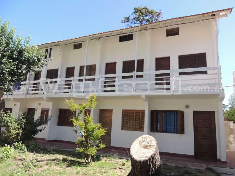 Alquilo Departamento San Luis 7 en Villa Gesell zona Centro Comercial.