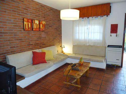 Alquilo Duplex Tierra Mora Duplex en Villa Gesell zona Centro.