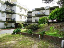 Alquilo Departamento Torrejon II en Villa Gesell zona Centro Comercial.