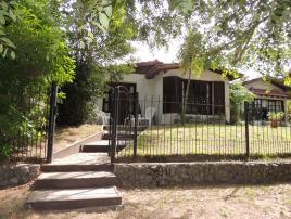 Tresoles: Casa en Villa Gesell